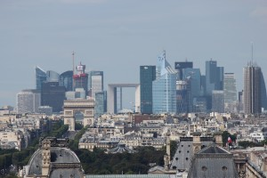 Paris_La_Défense_seen_from_Tour_Saint_Jacques_2013-08