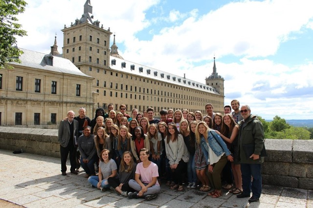 a group of students from the Alabama in Spain summer program