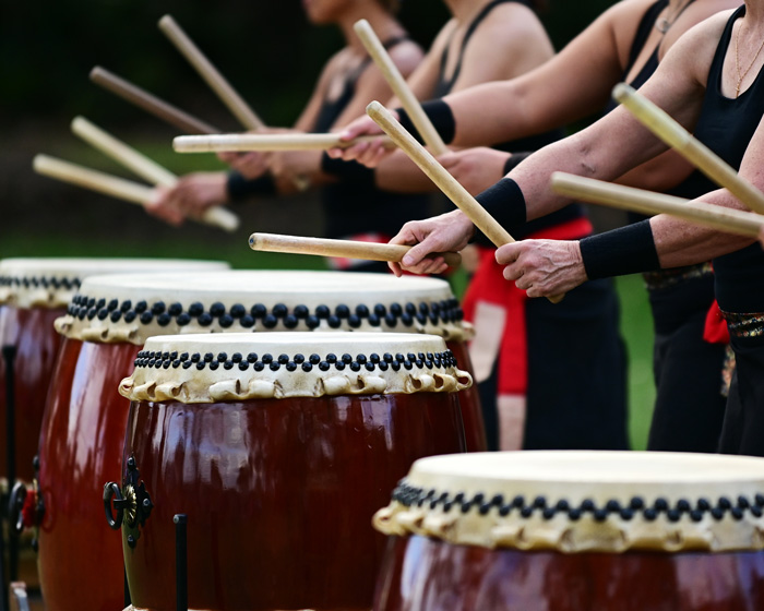 group of taiko drummers